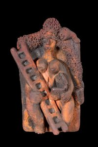 Studio photograph of terra cotta sculpture by artist Raak photo Elise Prudhomme