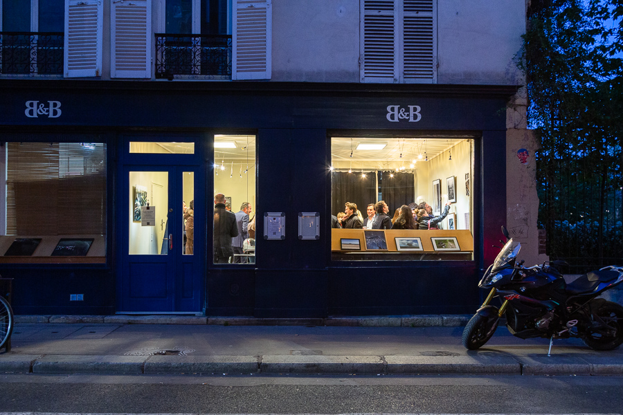 Evening light on the facade of Studio Galerie B&B during the exhibition opening of Trajectories & Derivatives by Julien Lefort April 2019.
